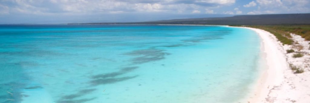playa bahia de las aguilas barahona